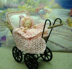 "2.5"" On of a kind miniature baby girl with crocheted outfit by Morena Ciambra   - Dreamartdolls"