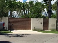modern home gates design ideas for this years page 1 Modern Front Gate Design, Fence Wall Design, Gate Designs Modern, House Gate Design, Door Gate Design, Gate House, House Front Design, House Entrance, Home Gate