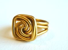 Wire Square Knot Ring Custom Made por RefreshingDesigns en Etsy
