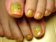 Water coloring toe nail art pedi