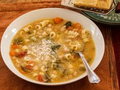 Marisa's Pasta Fagioli (Pasta Fazool) – Homemade Italian CookingPasta Fagioli or Pasta with Beans is a comfort food from my childhood. The proper name is Pasta e Fagioli, and is categorized as a soup instead of a pasta. It was often served on Fridays Pasta Fagioli Recipe, Pasta E Fagioli, Italian Cooking, Italian Recipes, Soup Recipes, Cooking Recipes, Casserole Recipes, Vegetarian Recipes, Italian Cuisine