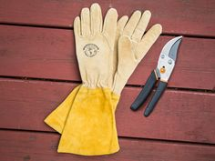 Womanswork gloves, discovered by The Grommet, are uniquely fit for the shape of women's hands, making gardening more comfortable than ever. Leather Work Gloves, Leather Cuffs, Retractable Garden Hose Reel, Garden Gadgets, Garden Tools, Garden Items, Gauntlet Gloves, Best Gloves, Gardening Gloves