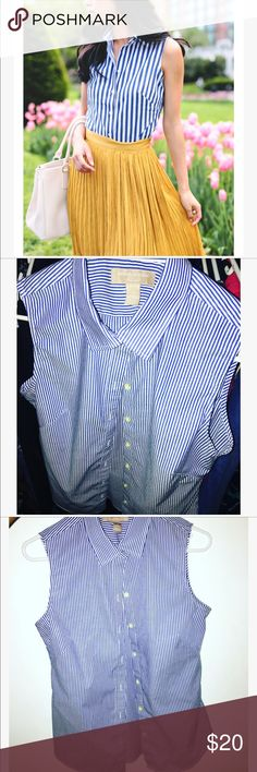 🎀Banana republic striped button down 🎀 Perfect condition worn once for a job interview 🎀 tag says size 8 can fit medium or large Banana Republic Tops