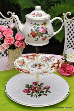 cake stand heaven: More Quirky Mad Tea Party Cake Stands!