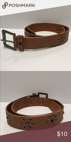 🆕 Studded Belt Studded Caramel/Brown Colored Belt! 🌸 measurement is available upon request tag however says size small. 🌸 Accessories Belts