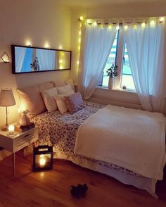 Cute and Modern Bedroom Interior Design Ideas 2018 Part bedroom ideas; bedroom ideas for small room; Small Bedroom Designs, Small Room Bedroom, Small Rooms, Modern Bedroom, Bedroom Romantic, Bedroom Bed, Bedroom Simple, Teen Bedroom, Bedrooms