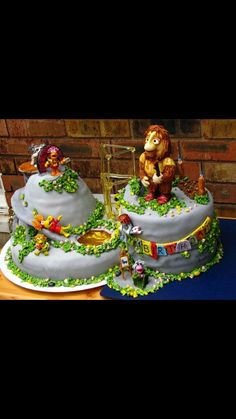 I should probably send this picture to a baker immediately so they can start preparing this for my birthday.... Fraggle Rock cake?!?? Yes please!!