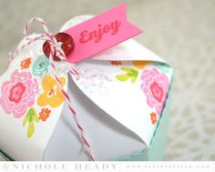 Floral Enjoy Cupcake Box by Nichole Heady for Papertrey Ink (June 2015)
