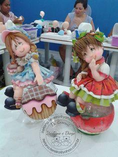 Coisas que adoro diy arts and crafts ideas - Diy Polymer Clay Figures, Polymer Clay Dolls, Fondant Figures, Polymer Clay Projects, Polymer Clay Creations, Clay Crafts, Box Surprise, Clay Jar, Cute Clay