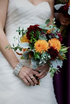 Fall bouquet by Ellen Frost of Local Color Flowers - locoflo.com ;  Photography by readyluck.com