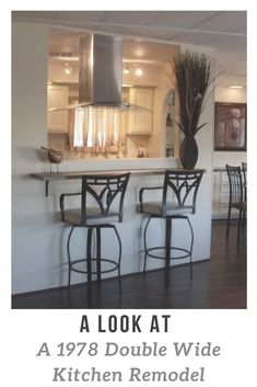 Homeowner's Guide To Re-Leveling A Mobile Home Mobile Home Bathrooms, Mobile Home Kitchens, Mobile Home Living, Home And Living, Living Rooms, Remodeling Mobile Homes, Home Remodeling, Kitchen Remodeling, Mobile Home Makeovers