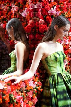 Dior, Autumn/Winter 2012 Couture Show. Creative Director & Belgian designer Raf Simons decorated the rooms in over one million real flowers.