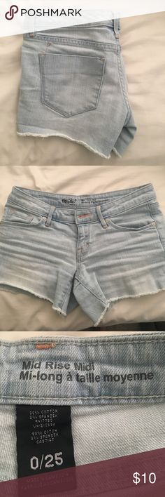 Midi denim shorts Size 0, great used condition! Frayed bottoms Mossimo Supply Co Shorts Jean Shorts