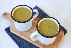 Deze kruidige courgettesoep is in 20 tot 25 minuten klaar. Serveer een lekker stokbroodje bij de soep en klaar is je heerlijke avondmaal!