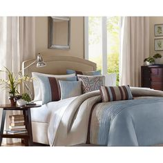 This fashionable duvet cover set is striped and perfect for a contemporary bedroom decor. Complete with duvet cover, two shams, two square pillows, and one oblong pillow, this bedroom set is a makeover for your bedroom set in an instant.