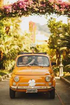 A Yellow Fiat 500 And Maids in Olive Green For A Relaxed Italian Wedding
