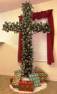 Christmas Cross, I will be doing this next Christmas!!!!  Love this!!!!!!