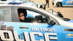混沌在底特律臥底警察互相戰鬥在臥底行動出了錯