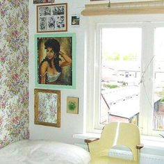Floral wallpaper looking pretty in a tiny apartment