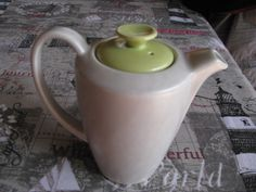 English Porcelain - VINTAGE POOLE POTTERY LIME GREEN AND WHITE COFFEE/TEAPOT for sale in Johannesburg (ID:230309106) White Coffee, China Porcelain, Earthenware, Teapot, Lime, Pottery, English, Ceramics, Antiques