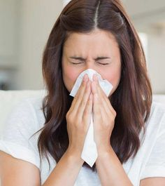 Stuffy Nose Remedies - We all know how annoying a runny nose can be. We are forever in search of effective home remedies on how to stop a runny nose fast. Your search ends here! Cold Home Remedies, Cough Remedies, Natural Remedies, Natural Treatments, Health Remedies, Remedios Congestion Nasal, Nasal Congestion, Stop Runny Noses, Flu