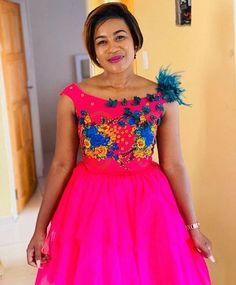 African Traditional Wear, African Traditional Wedding Dress, Traditional Wedding Attire, Traditional Fashion, African Fashion Ankara, African Print Fashion, African Dress, African Prints, Tsonga Traditional Dresses