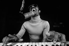 Stevie Wonder....what a great picture.