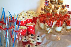Opalveien: Candy table på 17 mai vis Candy Table, Birthday Parties, Table Decorations, Breakfast, Desserts, Kids, Party Ideas, Cakes, Food