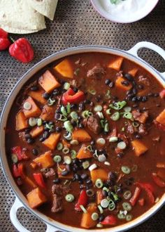Alt-i-ett meksikansk gryte - Mat På Bordet Chili, Nom Nom, Curry, Food And Drink, Soup, Spinach, Curries, Chile, Chilis