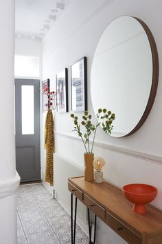 Hallway Table Decor, Entrance Hall Decor, Hallway Mirror, Tiled Hallway, Hallway Flooring, Hallway Ideas Entrance Narrow, Entryway Decor, Modern Hallway, Narrow Entryway