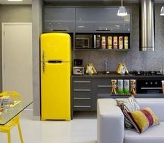 . Home Decor Kitchen, Interior Design Kitchen, Retro Refrigerator, Small Apartment Interior, Sweet Home, Loft Style, Furniture Restoration, Small Apartments, Cool Kitchens