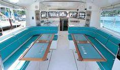 un cockpit lumineux et abrité à bord du voilier padishah - Atoll 43 Dufour pour croisières, location voiliers avec ou sans skipper et balades en mer depuis l'île des Embiez dans le Var www.my-sail.net