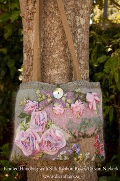 Knitted Handbag with Silk Ribbon Roses/Di van Niekerk