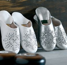 White Moroccan slippers Beautiful!! http://www.facebook.com/pages/One-Earth-with-M/445468785543278