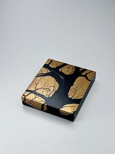 Buy all lacquerware artworks- Traditional Japanese art - Gallery Japan(60page) Traditional Japanese Art, Japanese Modern, Japanese Aesthetic, Japanese Design, Japanese Culture, Natsume, Chinese Crafts, Cultural Crafts, Japan Crafts