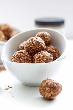 Peanut Butter Mocha Energy Bites   Recipe Runner   A healthy snack full of protein and carbs #vegan #glutenfree