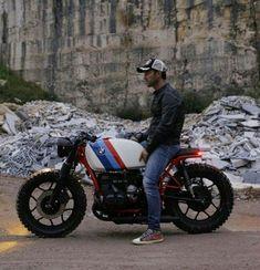 40 bmw cafe racer photography ideas - We Otomotive Info Bmw Scrambler, Bobber Bmw, Motos Bmw, Bike Bmw, Cool Motorcycles, Vintage Motorcycles, Bmw Cafe Racer, Custom Cafe Racer, Cafe Racer Build