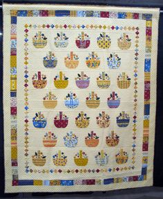 Here is a quilt my friend Cheryl could make :-) Basket Quilt, Vintage Quilts, Quilting Projects, Quilt Shops, Applique, Patches, Scrap, Objects, Kids Rugs