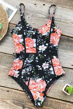 Big Discount CUPSHE Hidden Fragrance Flora Print One-piece Swimsuit Back Cutout V neck Sexy Monokini 2019 Ladies Beach Bathing Suit Swimwear Monokini, Summer Bathing Suits, Cute Bathing Suits, Bathing Suits One Piece, Bikini Floral, Lingerie Fine, Cute Swimsuits, Modest Swimsuits, Woman Beach