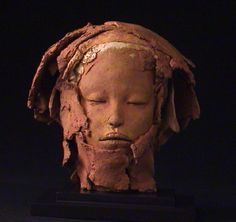 brown - head - figurative sculpture - Marika Baumler