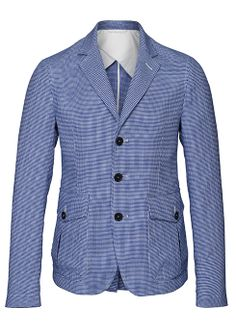 Unlined and slightly deconstructed blazers are a spring-summer classic. In pure cotton with three buttons is well matched with white or neutral-colored cotton linen trousers - The Spring Blazer #ledizione #stylenotes #ss14 #menswear #menstyle #canali1934 #canali