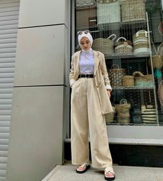 Casual Hijab Outfit, Hijab Chic, Cute Casual Outfits, Modest Fashion, Hijab Fashion, Fashion Outfits, Travel Wardrobe, Summer Looks, Bts Wallpaper