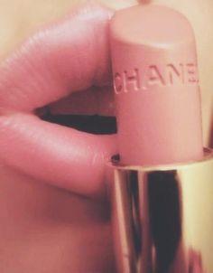 Nude (Ten Rengi) Ruj Trendi: En İyi 5 Nude Ruj #chanel #rouge #coco #shine #satisfaction #nude #lipstick