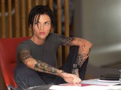 The Ruby Rose Batwoman Conundrum - The Ruby Rose Batwoman Conundrum Source by lunaeinstein - Batwoman, Ruby Rose Langenheim, Ruby Rose Style, Rubin Rose, Pretty People, Beautiful People, Rose Hair, Orange Is The New Black, Androgynous