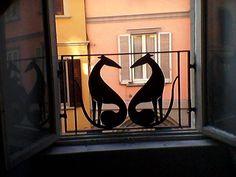 Whippet gate