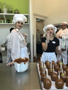Disney land, Dove and Sofia are making Carmel apples this is so great, remeber in Desendants 2 !!!!