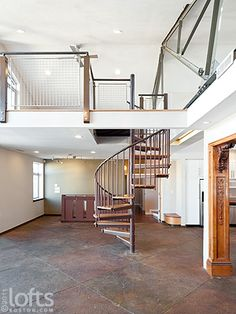 Bilevel with a beautiful stair