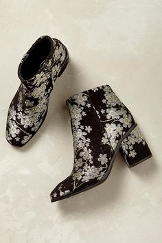 Sevigny Floral Embroidery Ankle Boots. The ever-faithful ankle boot gets an elegant elaboration with Sevigny, its embroidered floral jacquard makes them perfect for party wear or for elevating casual cuts.