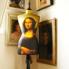 Image of Mona Lisa Mannequin