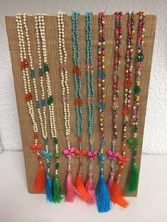 Collares y pulseras de Cazamariposas, ediciones limitadas en www.minimofashionshowroom.com, tu outlet de moda en Madrid.